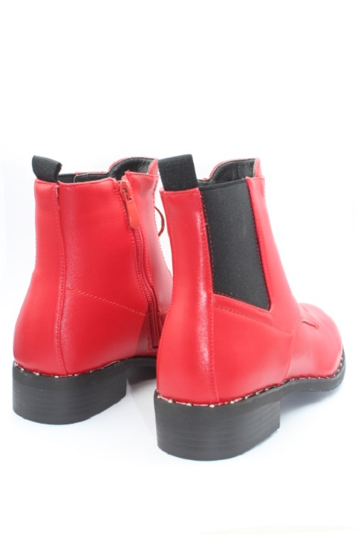Booties with decorative zipper